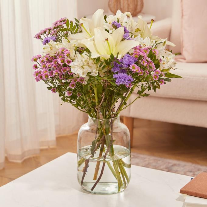 VALENTINE'S DAY FLOWERS FROM MOONPIG